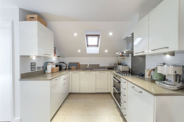 Thumbnail Mews house to rent in Gower Mews Mansions, Gower Mews, London