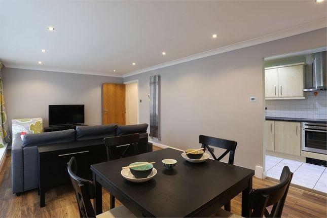 2 bed flat to rent in Boardwalk Place, 291 Trafalgar Way, London, UK E14
