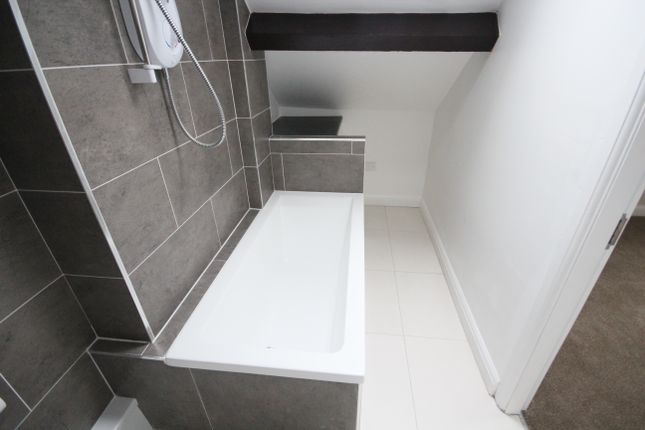 1 bed flat to rent in Yorkshire Street, Rochdale OL12