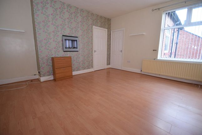 Thumbnail Flat to rent in Whickham Road, Hebburn, Tyne And Wear