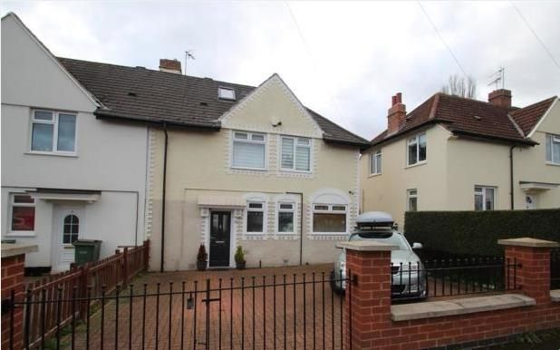 4 bed semi-detached house to rent in Queen Street, Oadby, Leicester LE2