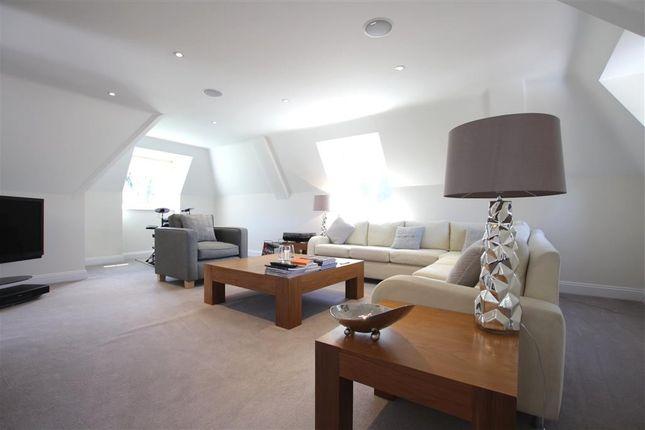 Sitting Room of Tidmarsh Grange, Tidmarsh, Reading RG8