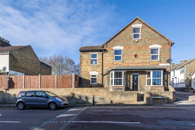 3 bed end terrace house for sale in Montfort Road, Strood, Kent ME2