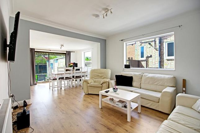 Thumbnail Detached bungalow to rent in Devonshire Road, Mill Hill, London