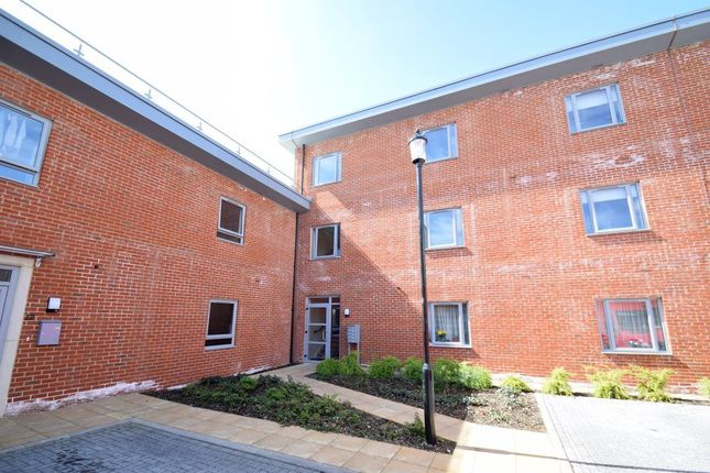 Thumbnail Flat to rent in Pallatia Court, High Wycombe