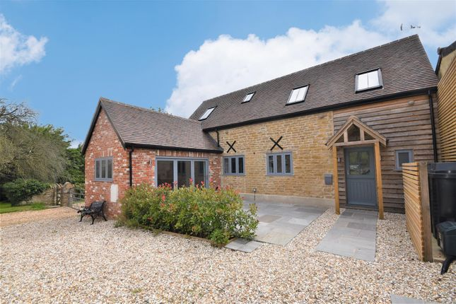 Thumbnail Barn conversion for sale in Hunger Hill, East Stour, Gillingham