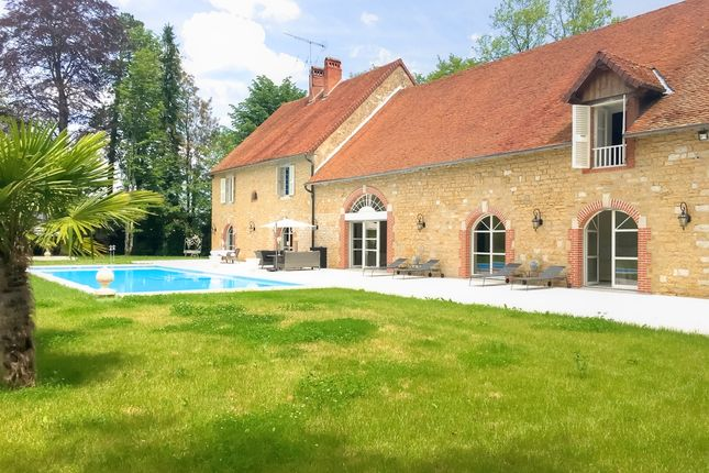 Thumbnail Property for sale in Simard, Bourgogne, 71330, France