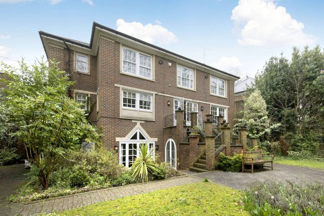 Thumbnail Property to rent in Haversham Place, Highgate