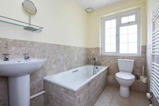 Bathroom of Cunliffe Close, Summertown, Oxford OX2