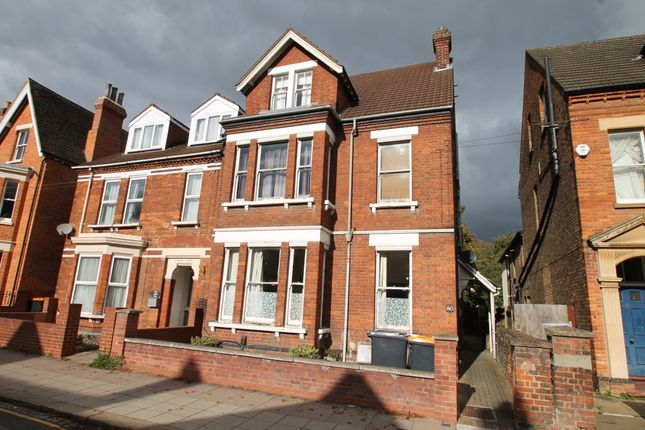 Thumbnail Maisonette to rent in 80, Castle Road, Bedford