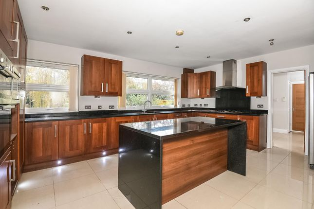 Thumbnail Detached house to rent in Home Farm Road, Rickmansworth, Hertfordshire