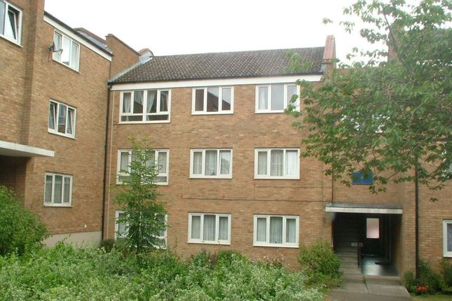 Thumbnail Property to rent in Jocelyns, Harlow, Essex