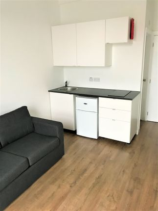 Studio to rent in Cameron Road, Seven Kings, Ilford