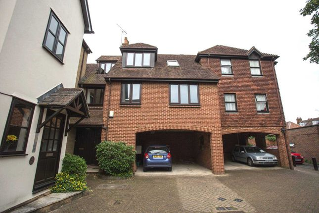 Thumbnail Flat to rent in Bishops Walk, Rochester