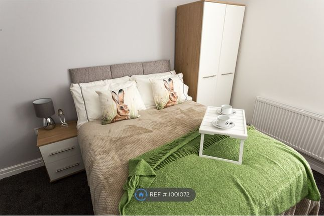 Room to rent in Liverpool Road, Eccles, Manchester M30