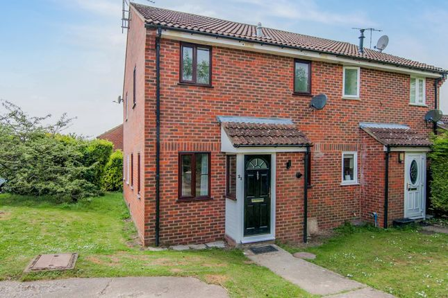 Thumbnail Semi-detached house to rent in Salisbury Close, Alton