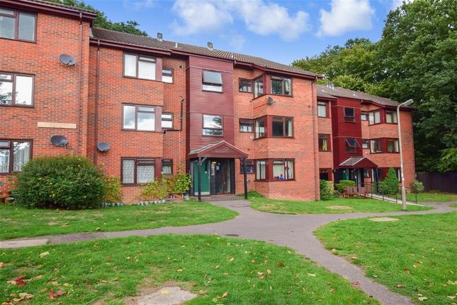 Thumbnail Flat for sale in Orchard Avenue, Brentwood, Essex