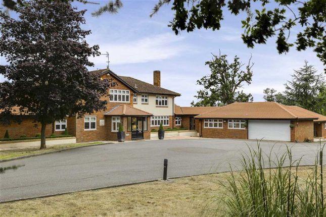 Thumbnail Detached house for sale in Bridgefoot Lane, Potters Bar