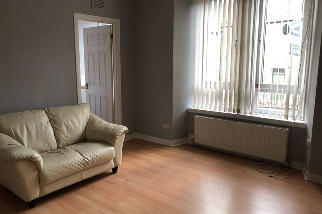 Thumbnail Flat to rent in Pitfour Street, Dundee