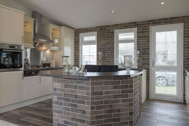 Thumbnail Mobile/park home for sale in Waters View, Yarwell Mill Country Park