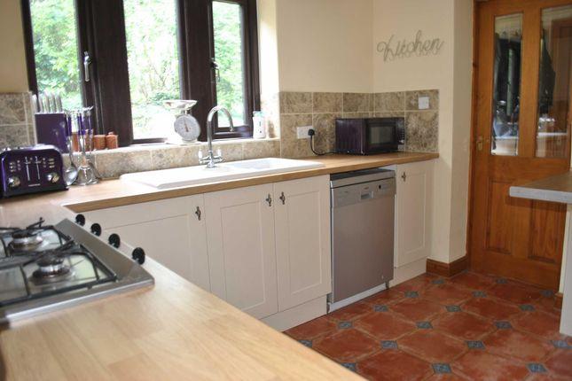 Kitchen of Arrunden Court, Dunford Road, Holmfirth HD9
