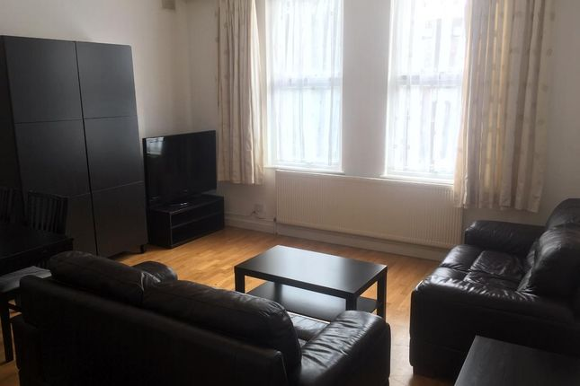 Thumbnail Flat to rent in Very Near Warwick Road Area, Ealing
