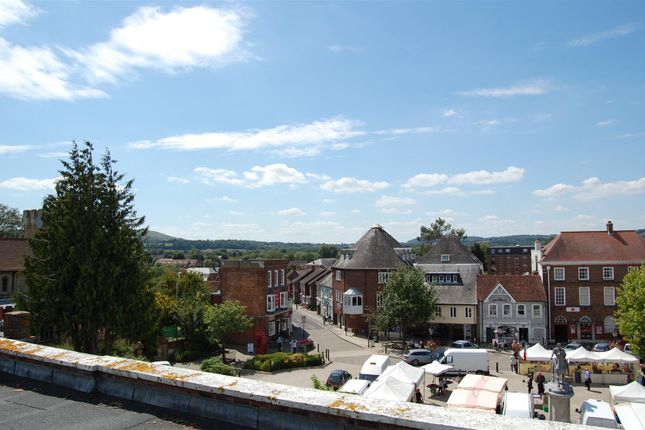 Thumbnail Flat to rent in The Square, Petersfield