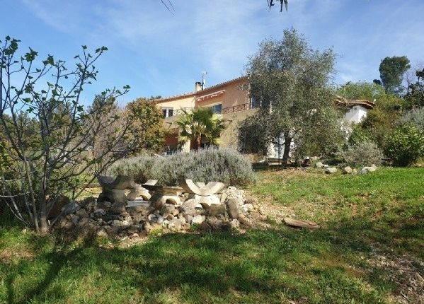 Villa for sale in Puissalicon, Languedoc-Roussillon, 34480, France