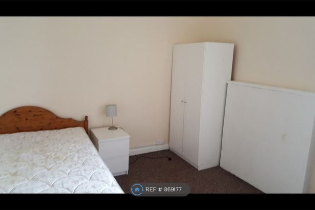 Thumbnail Flat to rent in Admiral Street, Glasgow