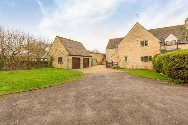 Thumbnail Town house for sale in Knaptons Croft, Lower Heyford, Bicester