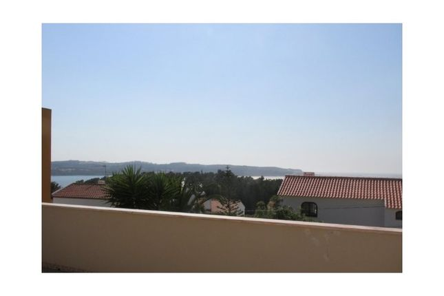 4 bed detached house for sale in Foz Do Arelho, Foz Do Arelho, Caldas Da Rainha