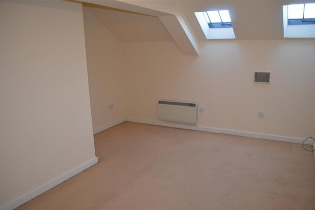 Master Bedroom of Huddersfield Road, Liversedge WF15