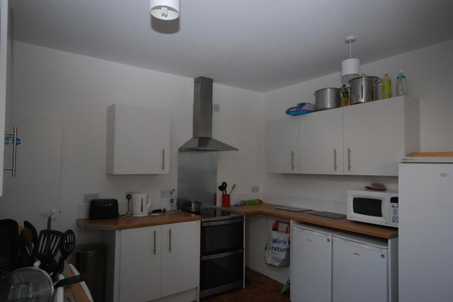 5 bed shared accommodation to rent in Twyford Avenue, Portsmouth, Portsmouth PO2