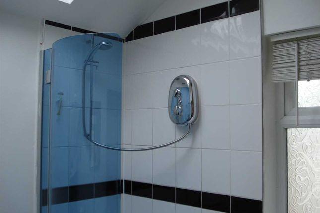 Bathroom of Pharos Street, Fleetwood FY7
