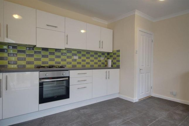 Thumbnail Flat to rent in Malvern Road, Enfield