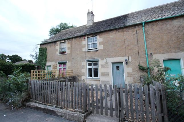 Thumbnail Cottage to rent in Elton Road, Wansford, Peterborough