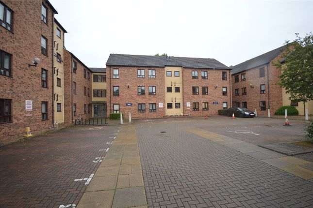 Picture No. 09 of Apartment 11, Read, Woodlands Village, Wakefield, West Yorkshire WF1