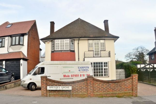 4 bed terraced house to rent in Bressey Grove, South Woodford