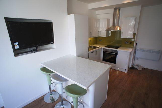 Thumbnail Flat to rent in Pen-Y-Lan Rd, Roath, Cardiff