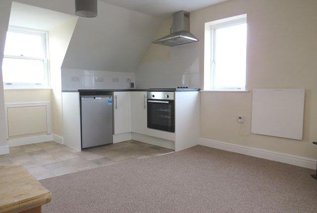 Thumbnail Flat to rent in Mile Oak Road, Paddock Wood, Tonbridge