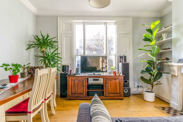 Thumbnail Flat for sale in Buckingham Road, Islington, London