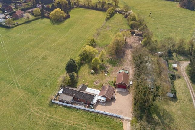 Thumbnail Bungalow for sale in Holton-Cum-Beckering, Market Rasen