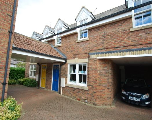 Thumbnail Terraced house to rent in New Road, Linslade, Leighton Buzzard