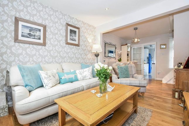 Thumbnail Cottage for sale in Garlands Road, Redhill