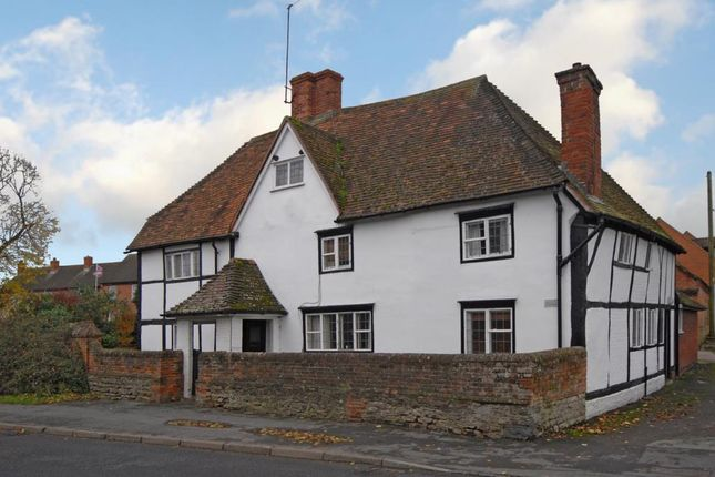 Thumbnail Semi-detached house to rent in Foxhall Road, Didcot
