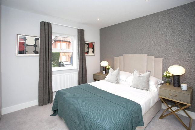 Picture No. 15 of Flat 23 High Views, Ellam Court, Bushey, Hertfordshire WD23