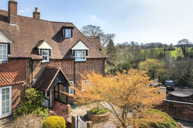 Thumbnail Mews house for sale in Yew Tree Mews, Market Square, Westerham
