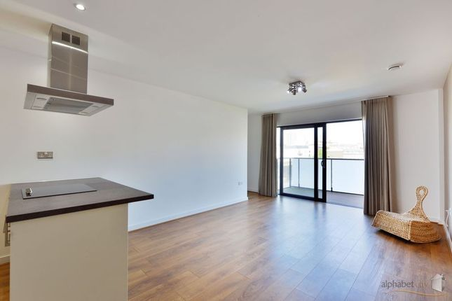 Thumbnail Flat to rent in Cotall Street, London