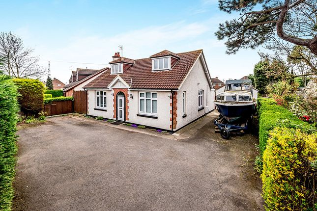 4 bed bungalow for sale in Woburn Road, Kempston, Bedford