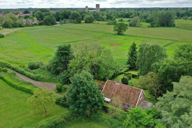 4 bed bungalow for sale in Wymondham, Norwich, Norfolk NR18